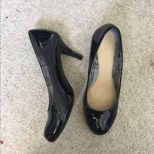 CL BY LAUNDRY WOMENS BLACK PUMPS HEELS SIZE 8.5M